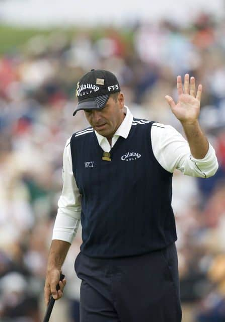 Rocco Mediate waves to crowd after hitting a putt at teh 108th U.S. Open at Torrey Pines 2008.